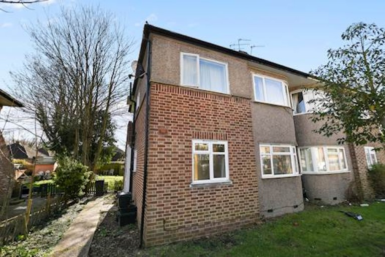 View Full Details for Shepperton Road, Petts Wood, Orpington