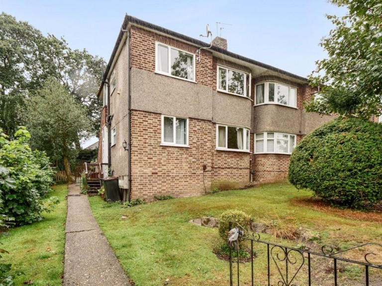 View Full Details for Kenilworth Road, Petts Wood